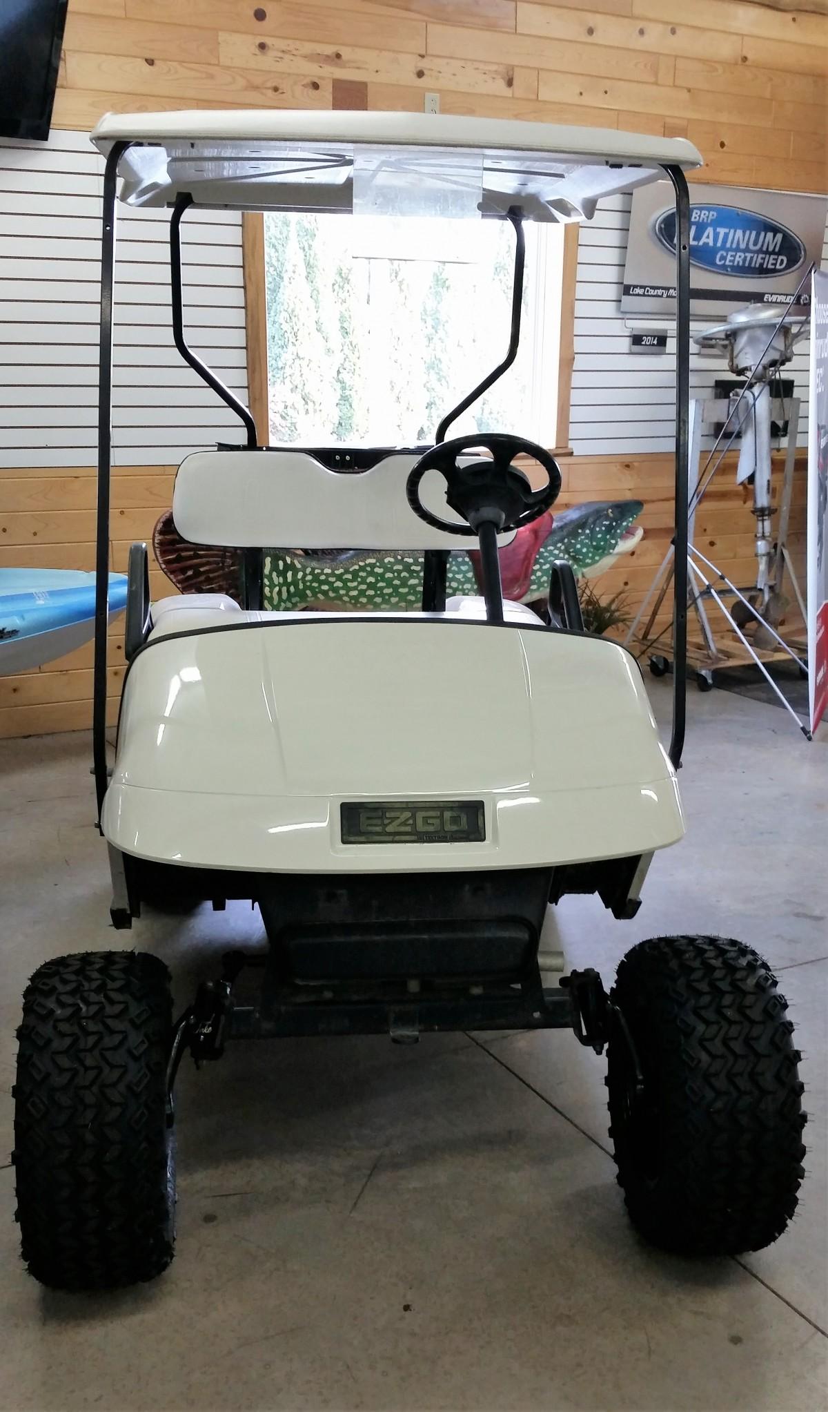 EZ GO Golf Cart 2004 - Golf Carts