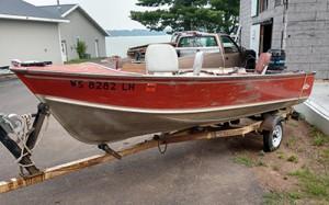 1985 Lund Boat